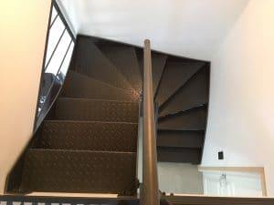 Escalier tôle larmée 2/4 tournant