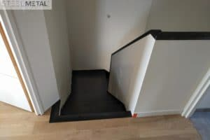 Ferro - escalier deux quart tournant en métal et palier
