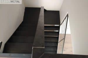 Ferro - escalier deux quart tournant en métal