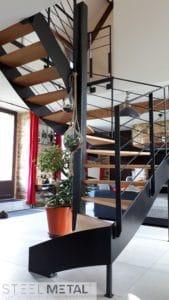 Ferro - escalier helicoïdal avec marches en bois