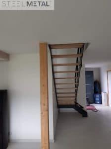 Ferro - escalier quart tournant avec palier en frene olivier