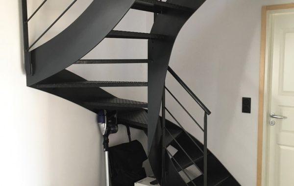 Escalier metal bois fabriqué sur-mesure en Bretagne