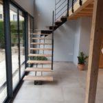escalier metal et bois avec garde-corps et double limon central