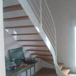Escalier bois metal blanc
