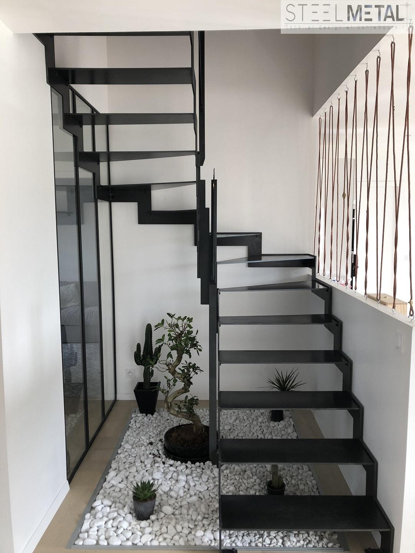 Escalier M U00e9tal Avec Limon Lat U00e9raux Double
