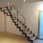 Escalier métal moderne