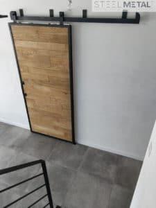 Porte coulissante en bois et métal