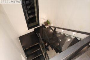Thep - escalier deux quart tout acier avec palier