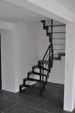 escalier en métal dans le morbihan en vue globale