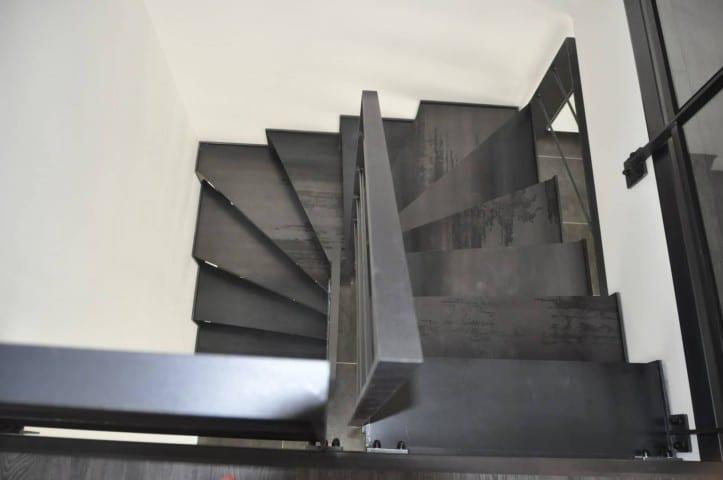 Escaliers deux quart tournant steelm tal - Poser un escalier en colimacon ...