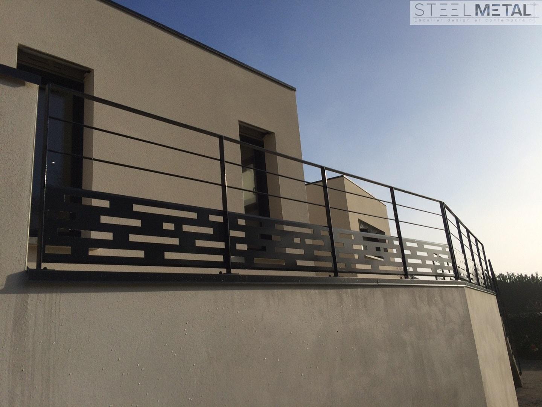 garde corps ext rieur en m tal ou inox. Black Bedroom Furniture Sets. Home Design Ideas