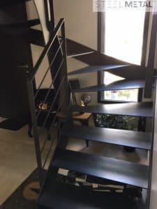 escalier métal deux quart tournant