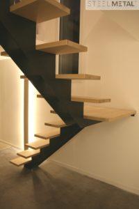 Escalier métal quart tournant limon central marches bois