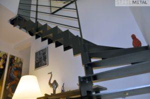 Escalier métal quart tournant marches en métal