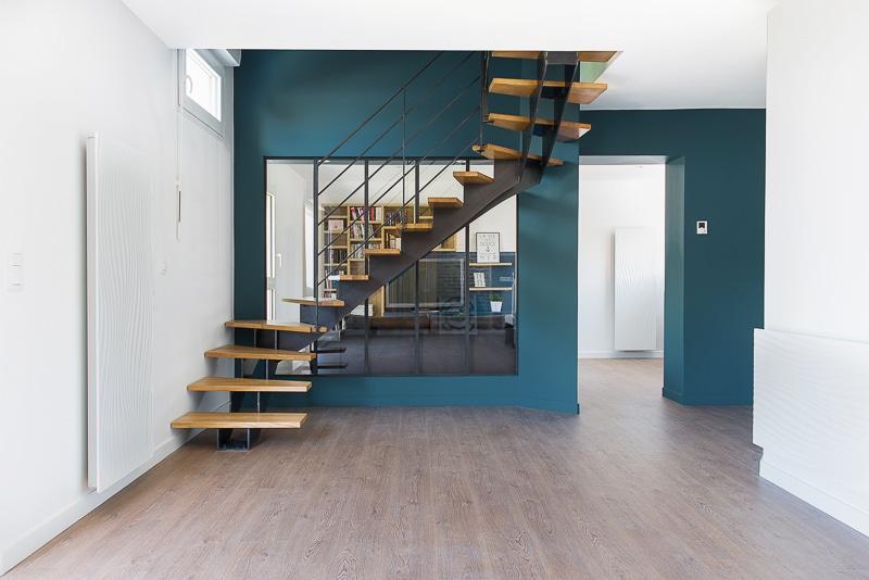 escalier 2 etages amazing deux tages escalier double limon fabriqu par etcm with escalier 2. Black Bedroom Furniture Sets. Home Design Ideas