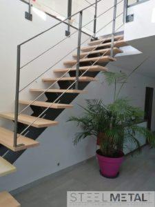 Escalier quart tournant - métal et bois - Karfe - marches en bois