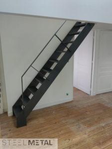 Escalier de meunier avec rampe